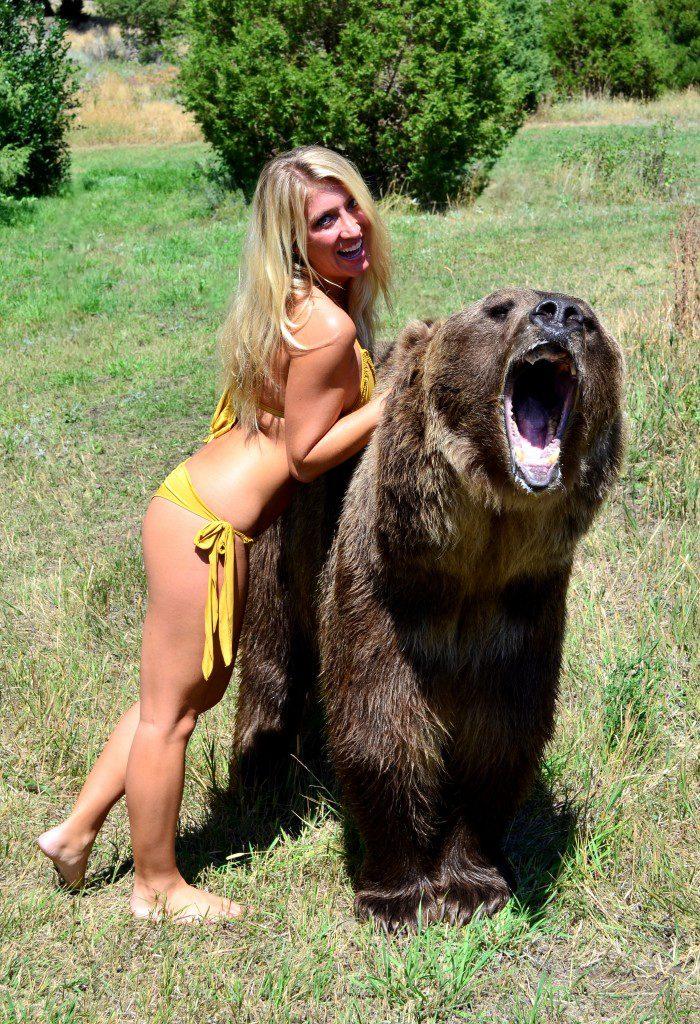 vanessa-rivers-bikini-grizzly-bear