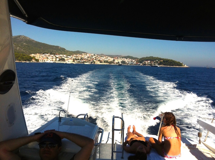 yacht to hvar