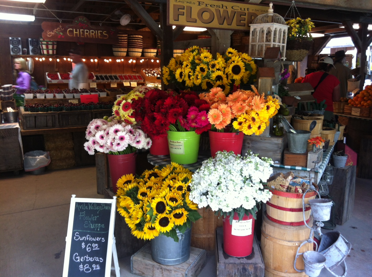 Fresh produce, flowers, and baked goods @ Avila Barn
