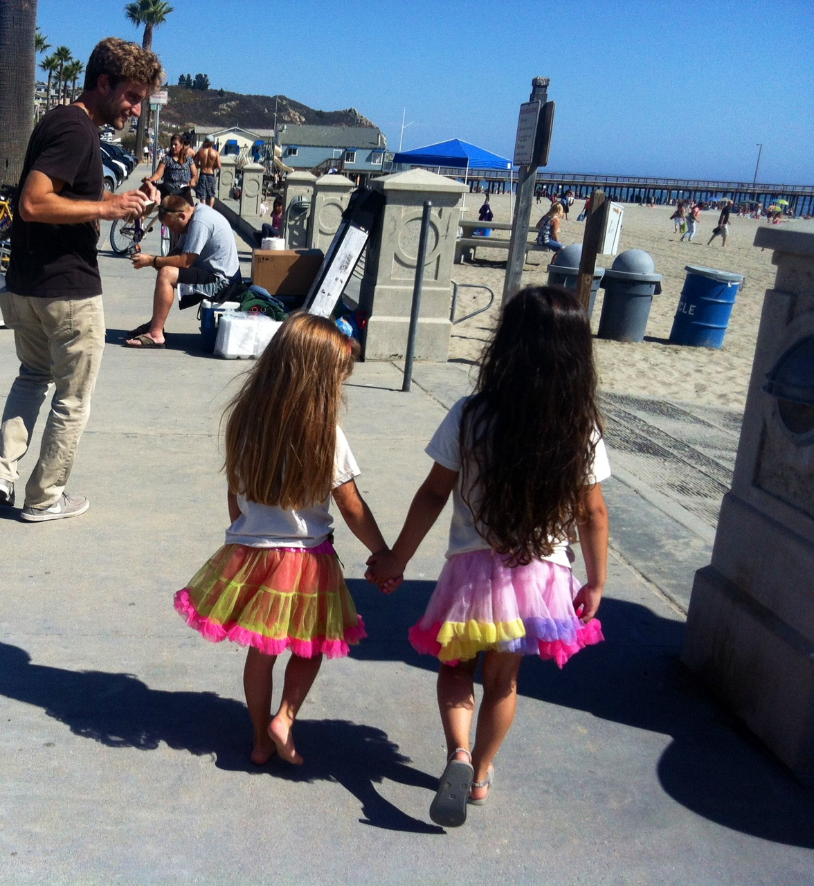 Sisterly love, exploring the town of Avila Beach