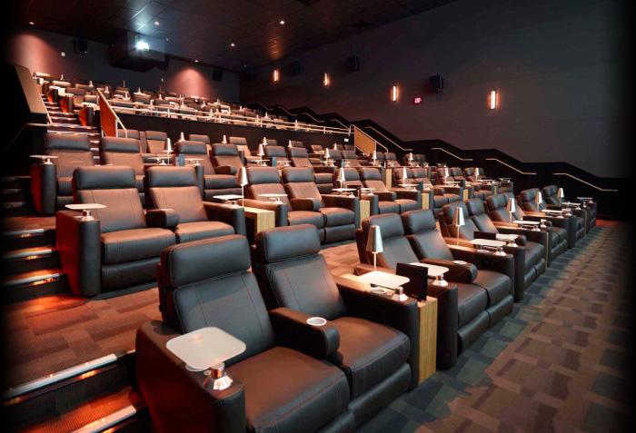 La costa ca movie theater