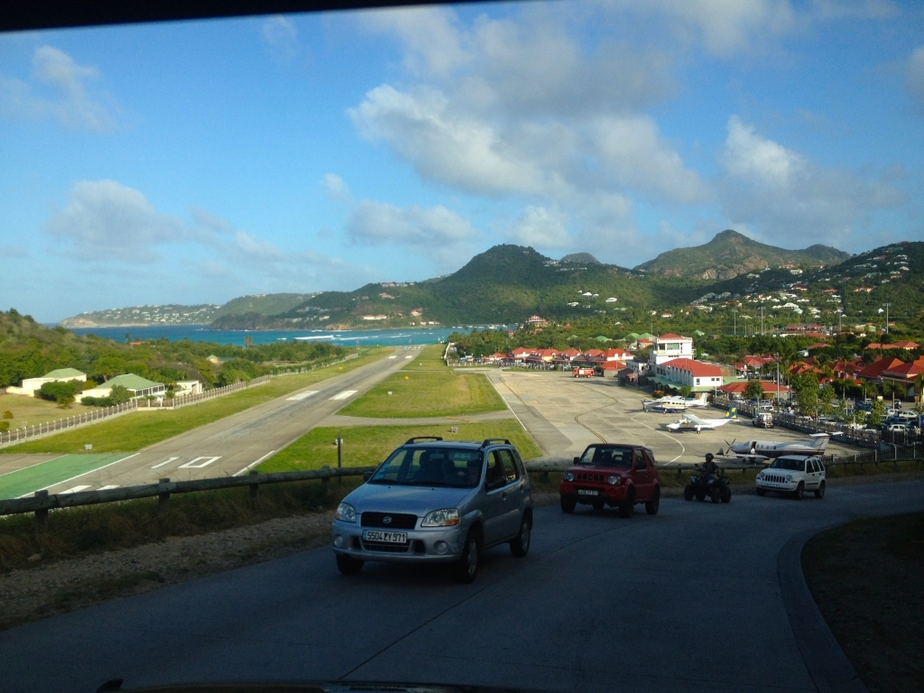 airport-st-barts