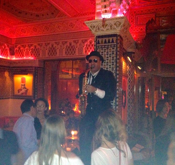 saxophone-djellabar-marrakech