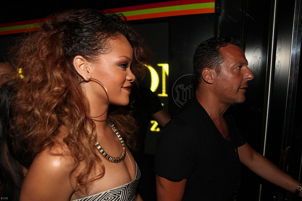 Rihanna-At-VIP-Room-in-St-Tropez