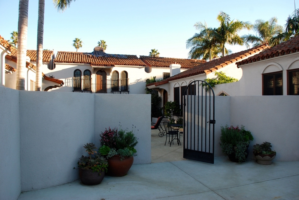 Santa Barbara Boutique Hotel