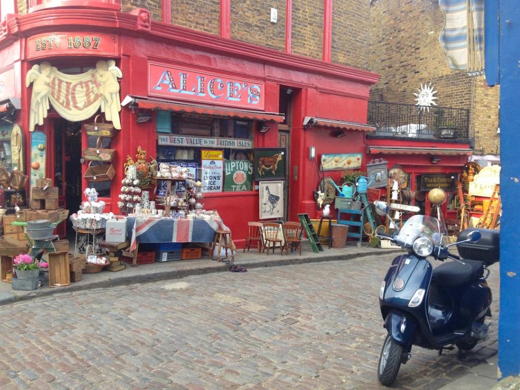 Portobello-Road-Market-Antiques