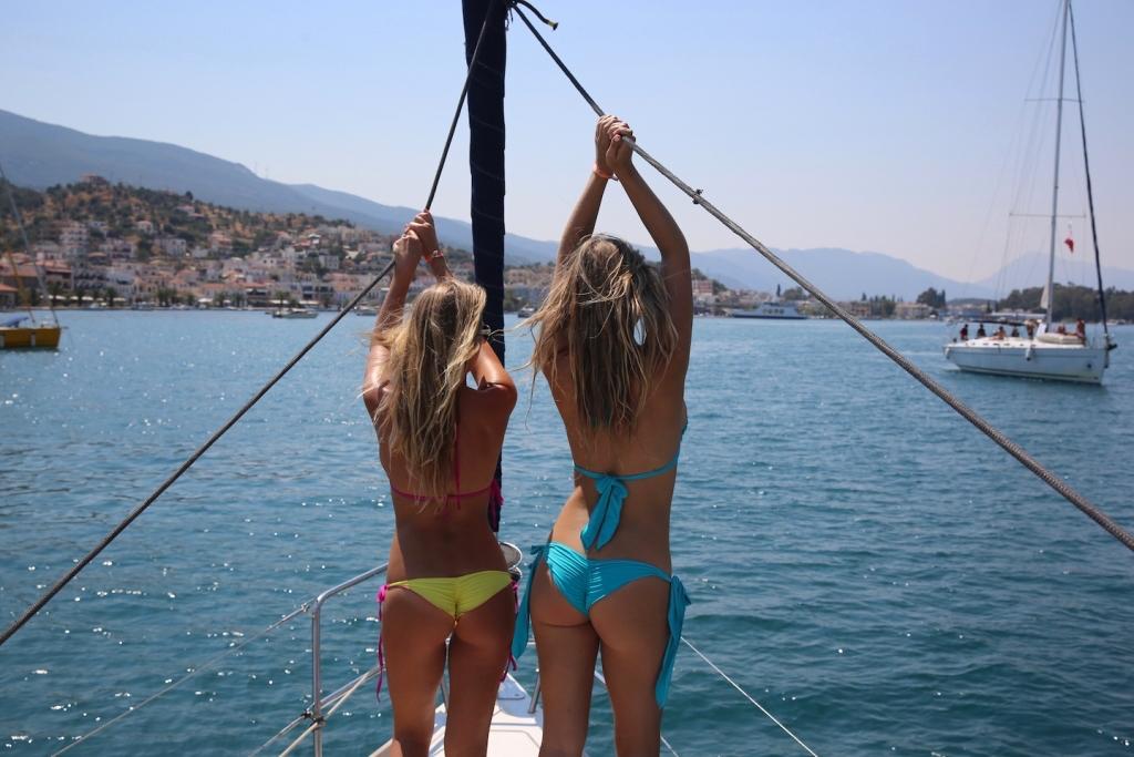 yacht-week-girls
