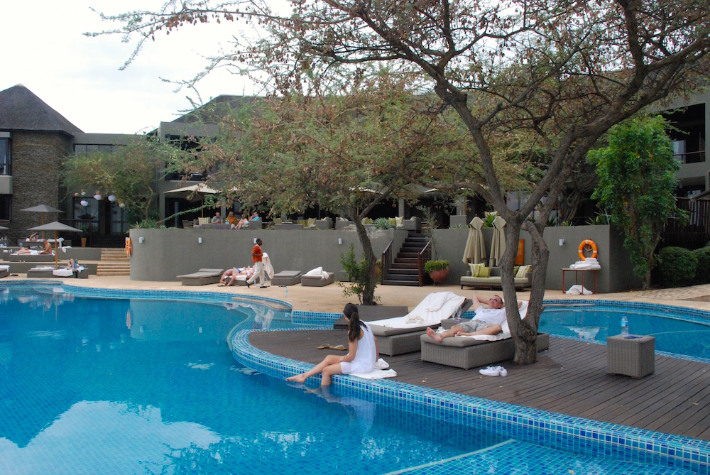 Four-Seasons-Serengeti-Pool