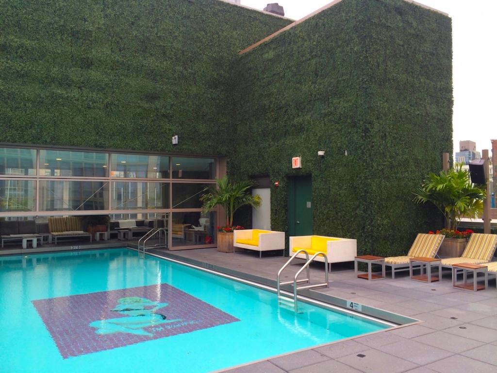 gansevoort-park-rooftop-pool