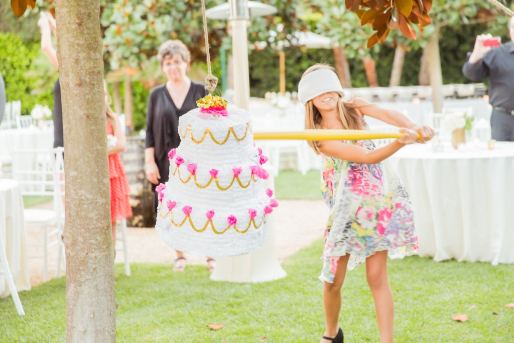 pinata-wedding-party-ideas