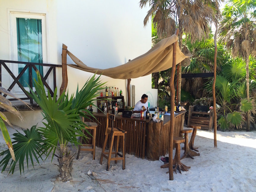 beach-bar-tulum