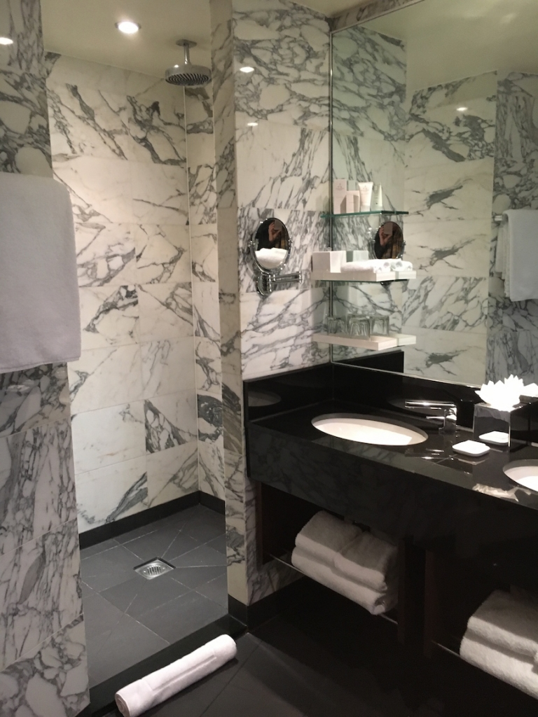 kensington-hotel-london-bathroom