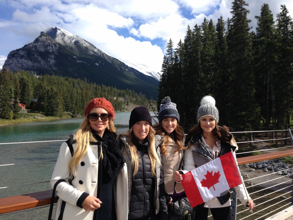 girls-canadian-flag