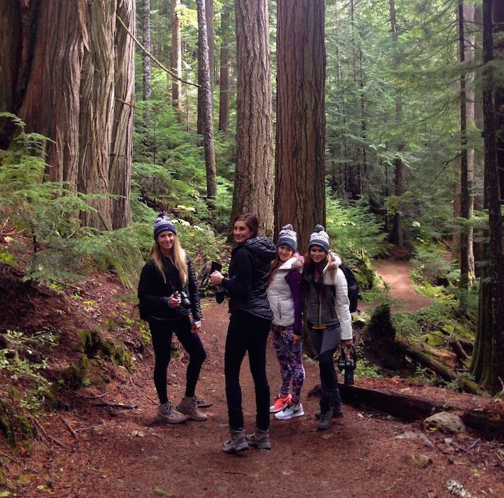 girls-hiking-whistler