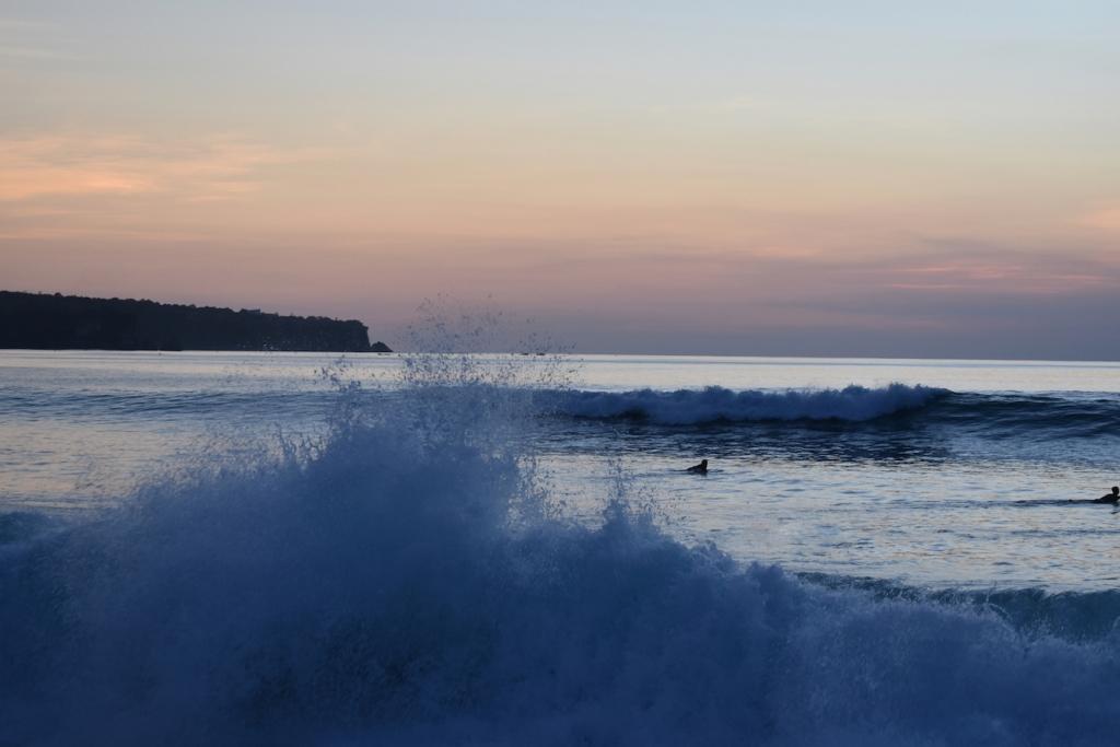 surf-honeymoon-bali-dreamland