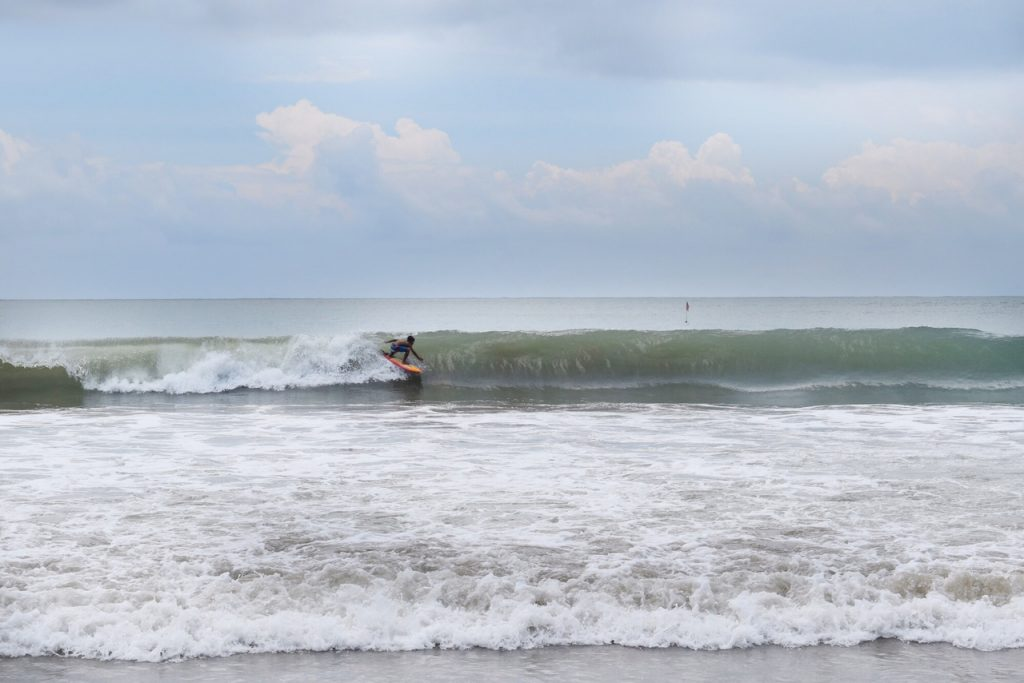 mondo-budget-surf-retreat-bali-1