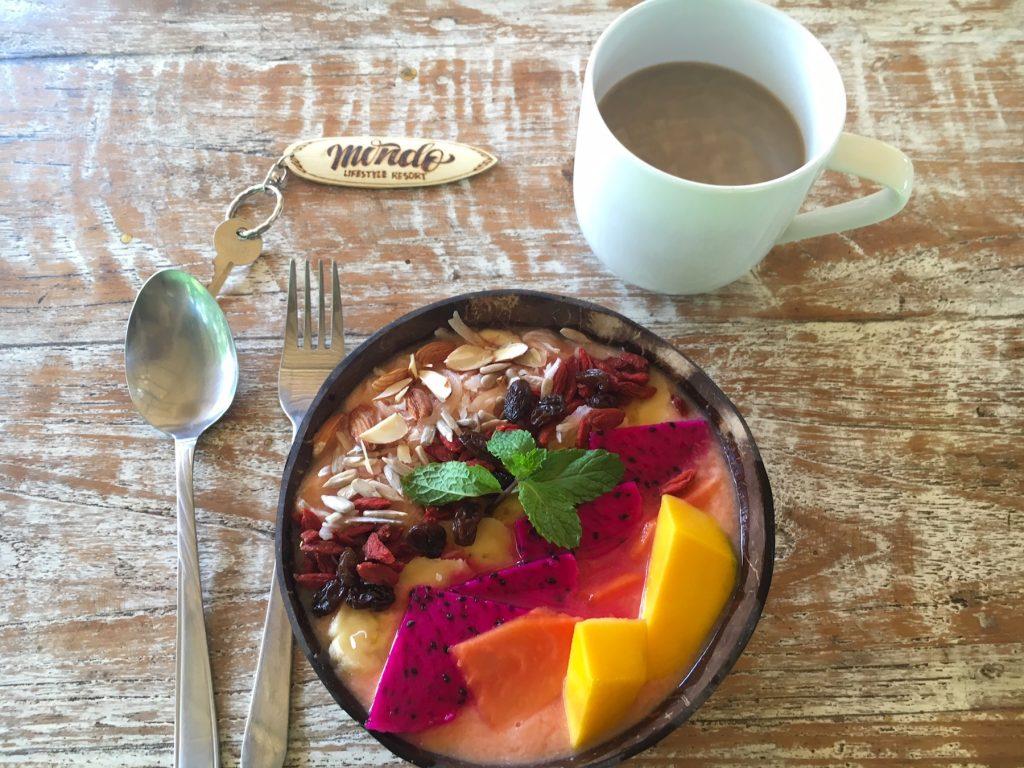 mondo-surf-retreat-bali-breakfast