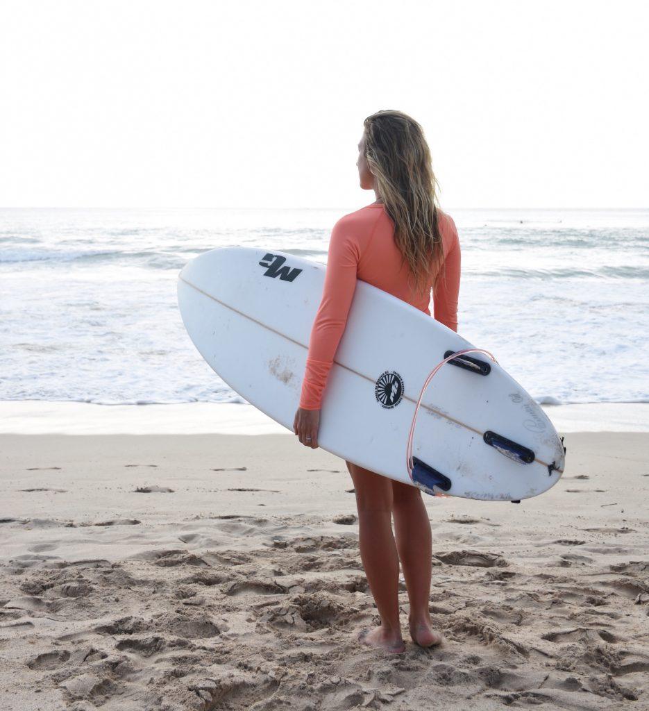 vanessa-rivers-surfing-bali